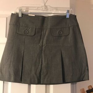 Never worn, professional, pleated skirt
